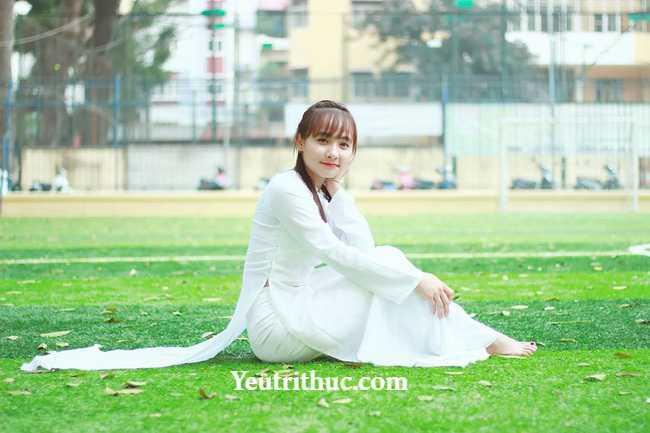 Hotgirl Hà Pansy – nữ bảo vệ siêu thị Lotte Hà Nội gây sốt vì bị chụp lén 9