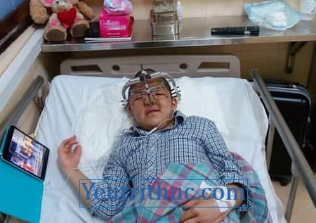 Hình ảnh vợ Quốc Tuấn và Con trai Diễn viên Quốc Tuấn bị bệnh gì 2
