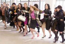"""Thứ Sáu Đen Black Friday là gì, tìm hiểu """"Ngày vàng mua sắm"""" ở Mỹ"""