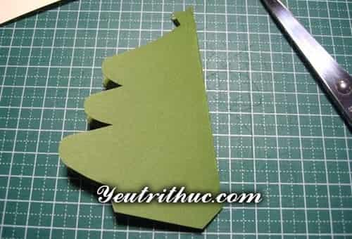 Cách làm thiệp Giáng sinh hình Cây thông Noel 3D ý nghĩa 2