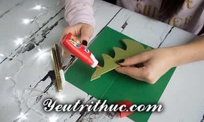 Cách làm thiệp Giáng sinh hình Cây thông Noel 3D ý nghĩa 13