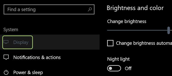 Cách kích hoạt tính năng Night Light trên Windows 10 4