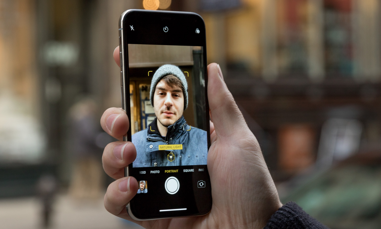 Hiệu ứng ánh sáng Portrait Lighting Effects trên iPhone XS, XR 1