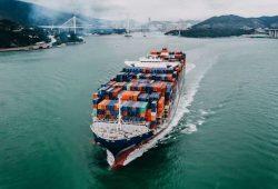 FOB là gì, khái niệm Free On Board - Miễn trách nhiệm Trên Tàu